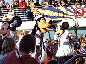 Disney Magic Sailaway Party - Mickey Goofy and Minnie